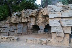 옛날 LA 동물원의 흔적을 볼 수 있는 올드주(Old Zoo) 트레일과 비콘힐(Beacon Hill) 정상의 풍경