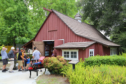 디즈니랜드의 꿈이 무르익은 곳, 월트디즈니 캐롤우드반(Walt Disney's Carolwood Barn) 기차박물관