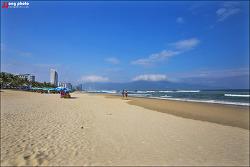 베트남 다낭의 대표 해변 미케비치 / My Khe Beach