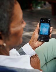 [웨이브히어링 인천직영] 세계최초 무선스트리밍(블루투스)가 가능한 귓속형 벨톤 보청기 착용 케이스 리뷰 (영상 클립)
