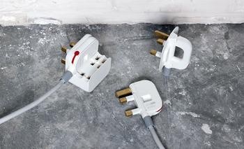 폴딩 플러그(Folding Plug) -  디자이너 최민규