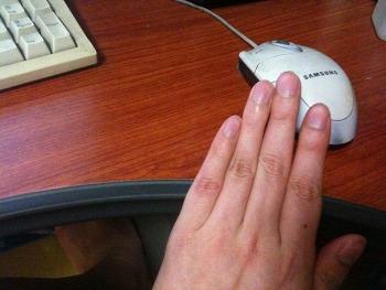 [ 손가락의 비밀 ] 남녀의 검지와 약지 길이로 성격을 알수있다.