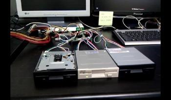 플로피 디스크 드라이브를 이용한 음악 연주기