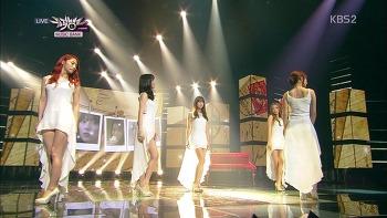 130906 둘 중에 하나(Runaway) _ 숙녀가 못 돼(Damaged Lady) (KBS2 뮤직뱅크) Comeback Special / KARA