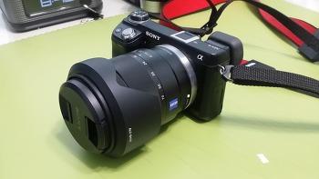 첫 칼짜이스 16-70mm F4.0 Vario-Tessar E마운트