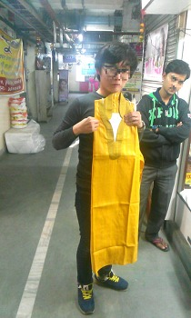 인도 전통 옷을 샀던 Kasba New Market