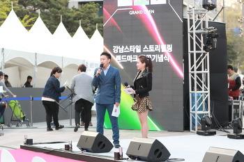 2016.04.15. 강남스타일 랜드마크 제막식 공연_홍대광 에이프릴 피에스타 러블리즈