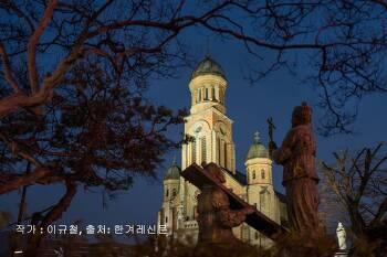 [사진감상평] 사진구도 모범작 전주 전동성당 사진작가 이규철