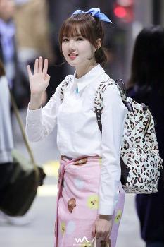 160419 - 여자친구 (GFRIEND) 예린 @SBS MTV 더쇼 퇴근길 직찍