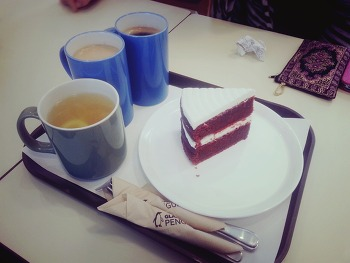 [한남동] 커피 & 케잌엔 글래머러스 펭귄