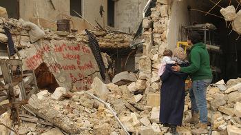 [인디즈 Review] 〈사마에게〉: 사랑하는 시리아의 미래에게