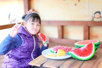[시은공주] 맛있는 수박먹기