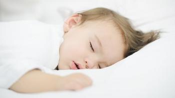 잠 안자는 아기의 원인