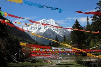 [음식기행-28] 사천 티베트 문화와 눈부시게 푸른 6월의 설산