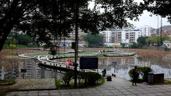 WUZHOU, CHINA (우저우, 중국)