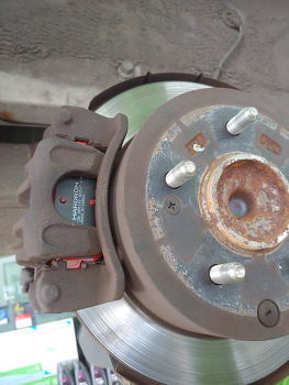 포르테 GDI 수리 (타이어, 브라이크패드, 엔진오일, 휠얼라인먼트)