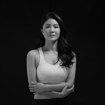 [대전 프로필사진] 부드럽고 깊이있는 흑백 프로필 촬영