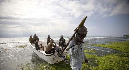 소말리아 해적 대해부(1) - 방법, 인원, 장비, 투자수익률