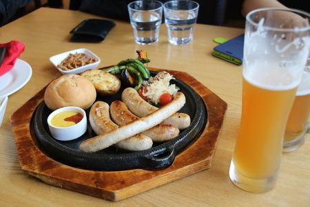 남해 독일마을 바이로이트에서 독일수제소시지와 맥주