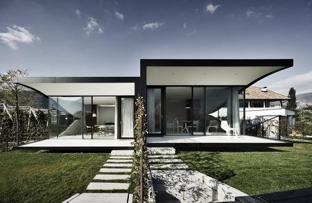 거울로 된 이탈리아 집 인테리어