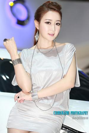 한채이_ 2012 부산모터쇼