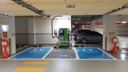 엠코타운 센트로엘 지하주차장 전기자동차 급속충전기