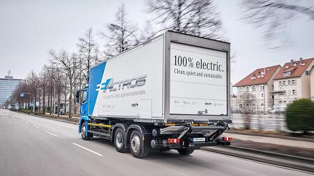 트럭도 전기차 시대! 배기가스 없는 친환경 전기트럭이 뜬다