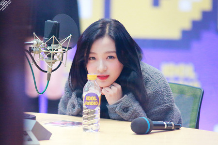 18.11.13 에이프릴 진솔 MBC아이돌라디오 by. Zetta