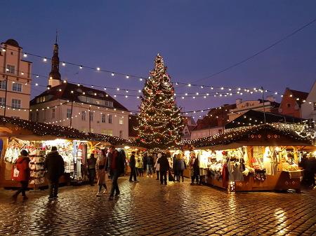탈린에 1441년 크리스마스 트리가 처음 세워져