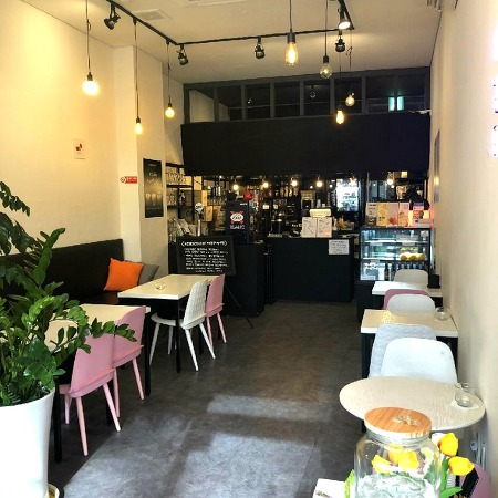 청라상가 분위기 있는 카페 자리 '전용13평' 입니다.