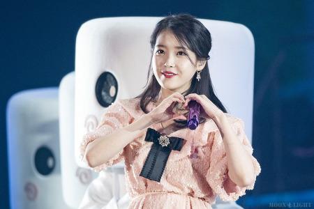 [181118] dlwlrma 서울 콘서트 아이유 직찍 by 달빛마차