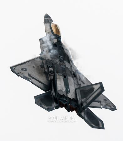 [포토] 서울 에어쇼, 하늘을 가로지르는 스텔스 전투기, F-22 랩터