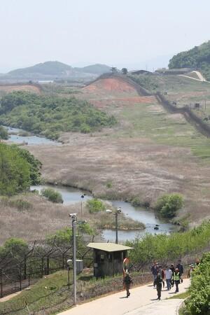 미군 사령관 '무단 출입' 문제 삼은 유엔사…지나친 DMZ 관할권 집착