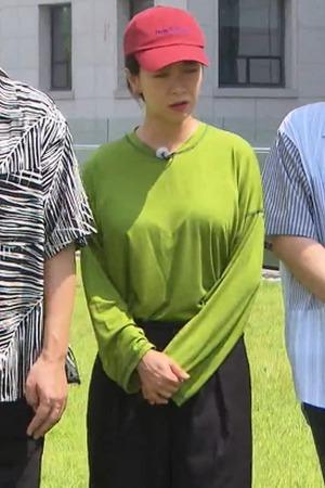 [꽁짤] 크로스 백 멘 송지효 움짤