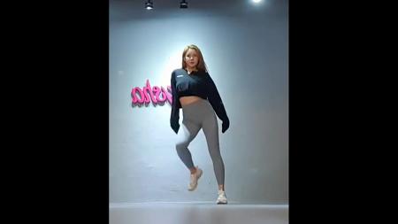 레이샤 채진 레깅스룩 안무연습