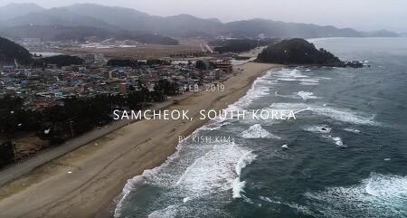 [ 4k drone ] snow on the beach, Deoksan, Korea / 눈 내리는 덕산 겨울바다 4K 드론 영상
