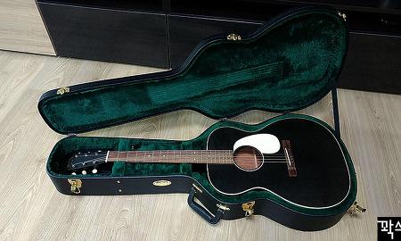 빈티지 컨셉의 마틴 000-17 올솔리드 어쿠스틱 기타