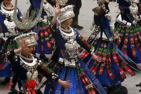 [공자-05] 먀오족 전통 복장의 서강천호묘채와 자매반 축제