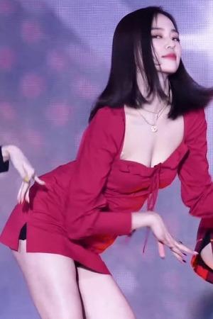 [꽁짤] 찰랑 거리는 CLC 장예은 움짤 [매의눈닷컴/heye.kr]