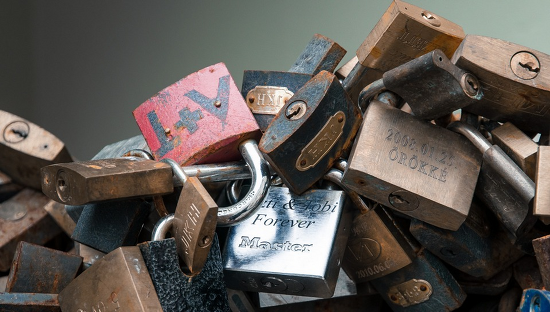 Securing mobile banking on Android with SSL certificate pinning