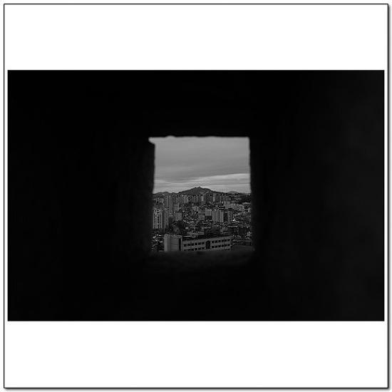낙산공원의 창문