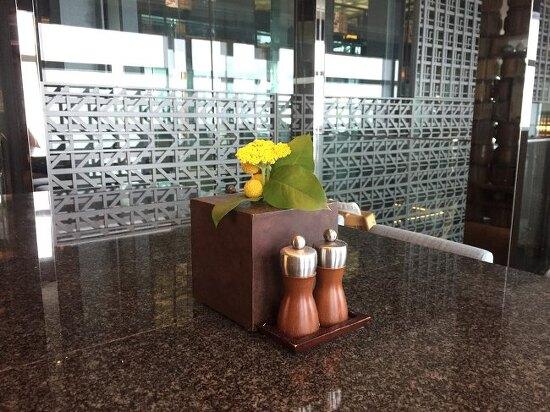 파크하얏트 32층 다이닝룸에서 런치코스 :)