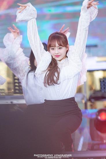 2019 양산 웅상 회야제, 축하공연 : 이달의 소녀 (LOOΠΔ), 츄 (Chuu)