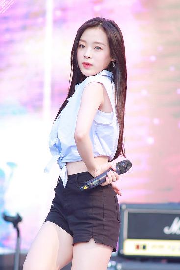 18.08.31 에이프릴 애경 뮤직웨이브 by. Zetta