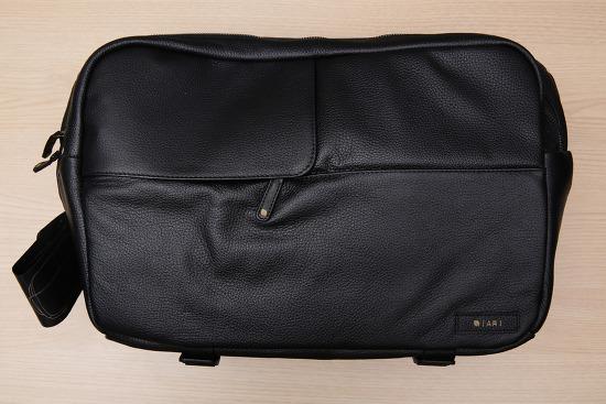 인케이스 X 아리 카메라 슬링백 (Incase x Ari Marcopoulos Camera Bag).
