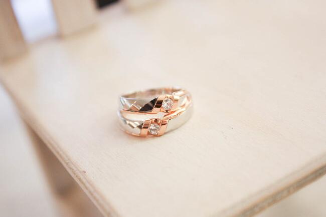 네번째 손가락 결혼반지 의미 알아보기