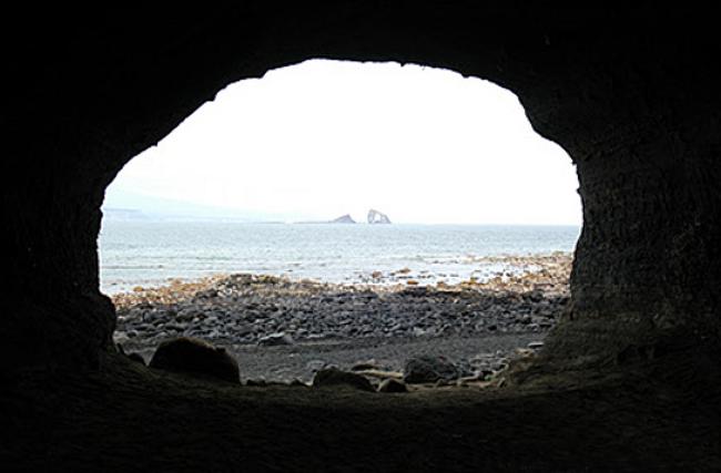 제주도 송악산 진지동굴, 아름답고도 슬픈 진지동굴