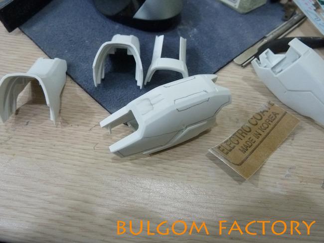 PG Strike Freedom Gundam 06 - 하체부 디테일 업