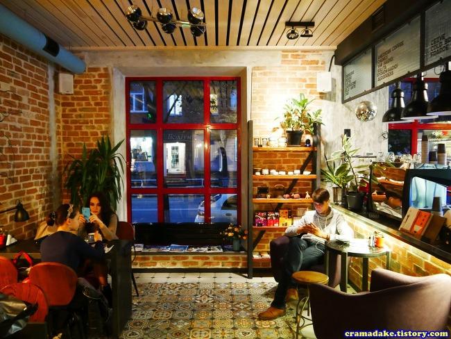 [우크라이나 폴타바 카페] 분스 브루 바 (Buns Brew bar, Poltava, Ukraine)