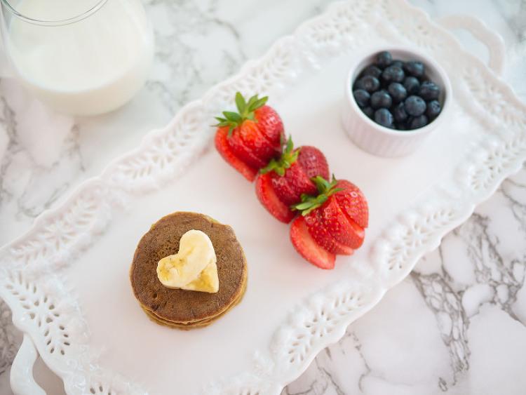 미국식 유아식- 바나나 팬케이크 (아침 메뉴)